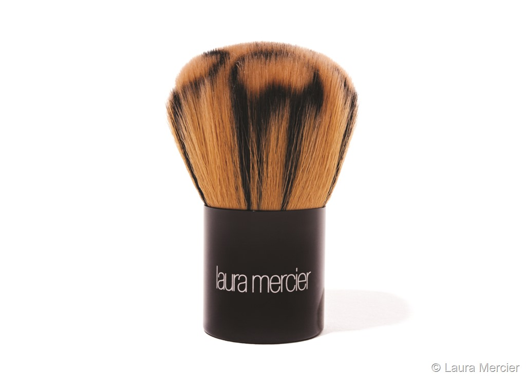 LauraMercier_AllOverFaceColourBrush.jpg