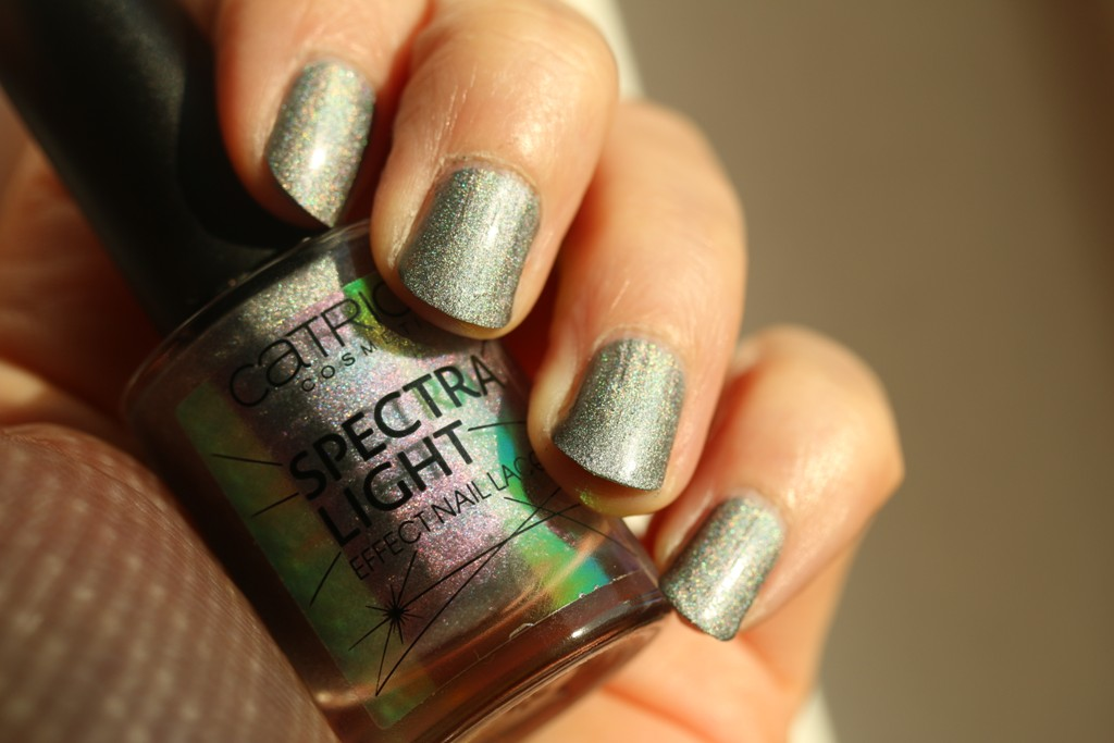 NOTD vom 19.04.2018: Catrice – Spectra Light – 05 Enchantement